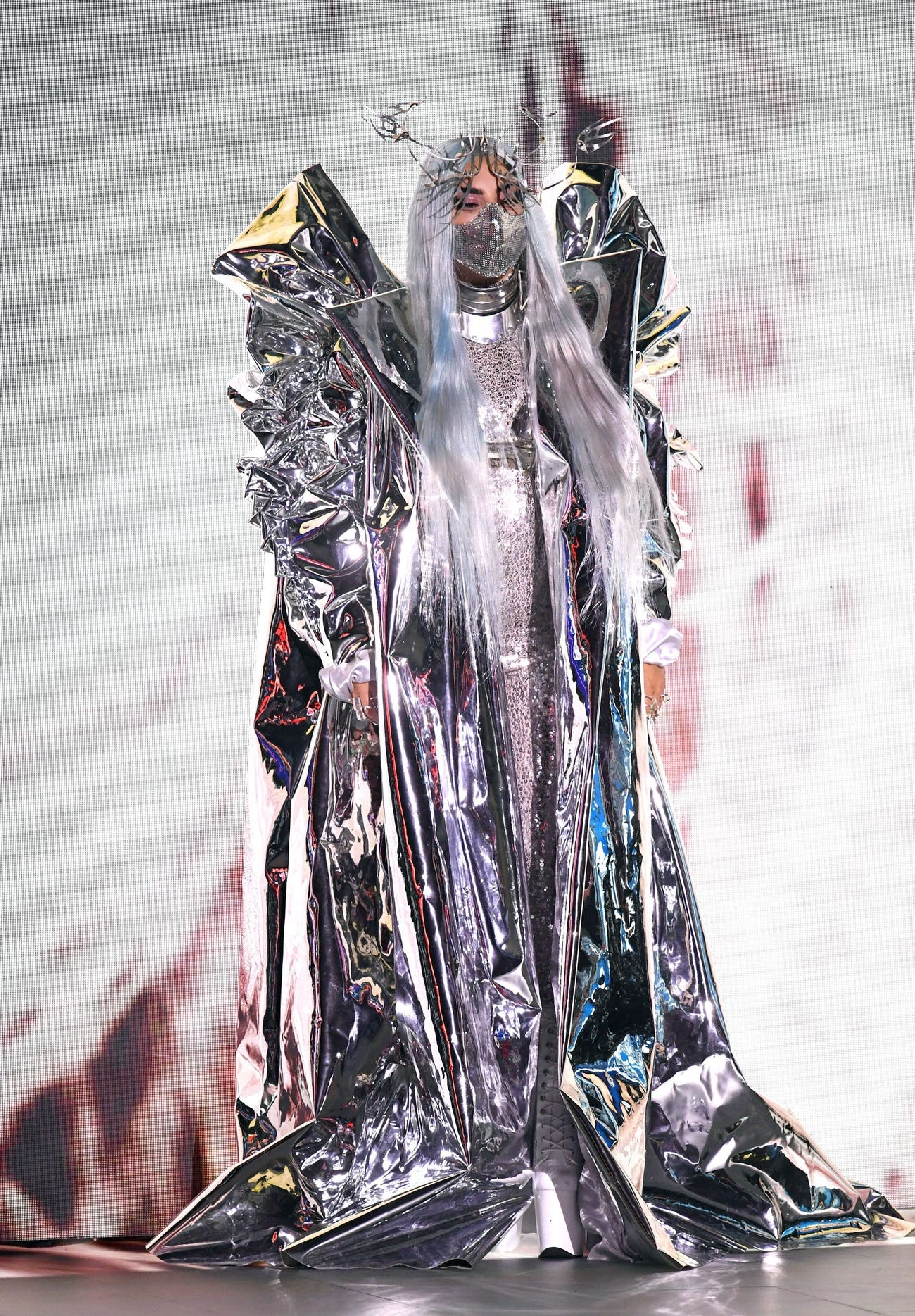 Lady Gaga menerima MTV Tricon Award di ajang VMA 2020. [DOK. MTV VMA 2020 | GETTY IMAGES | KEVIN WINTER]