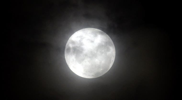 'Supermoon' Diprakirakan Picu Rob